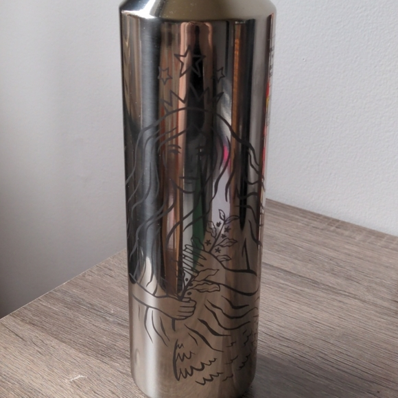 Silver vacuum insulated water bottle